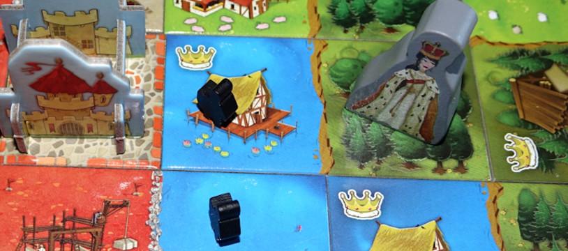 Sur le Vif: Review de Queendomino ! La Queen surpasse le King!