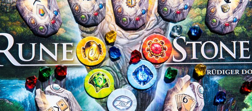 Rune Stones : deck-building  runique !
